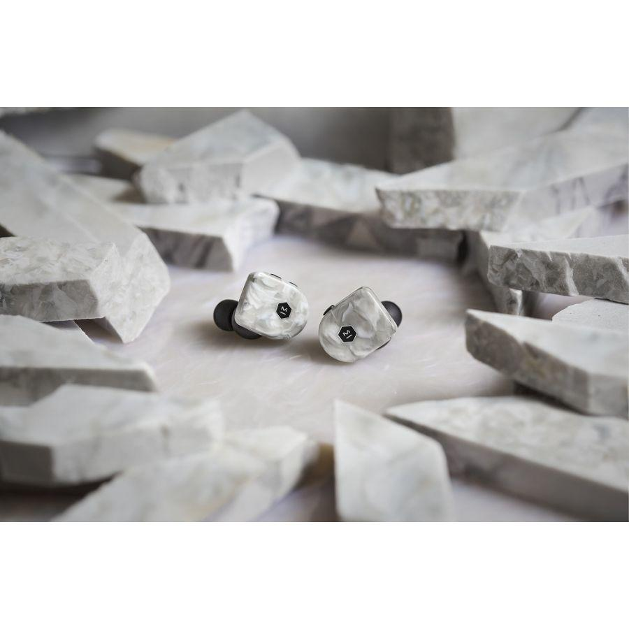 MASTER & DYNAMIC  White Marble - MW07 Plus Wireless Earphones